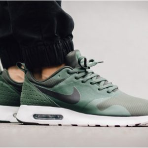 Nike Air Max Tavas Carbon Green